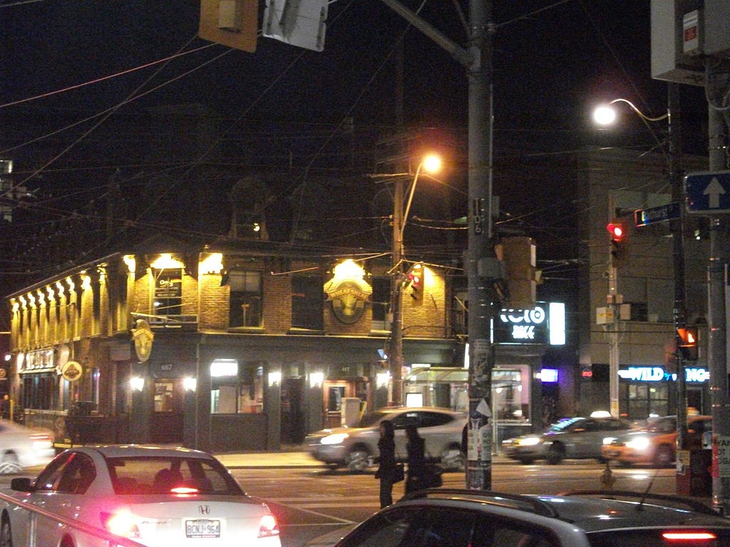 1024px-Toronto's_historic_wheatsheaf_Tavern_-a