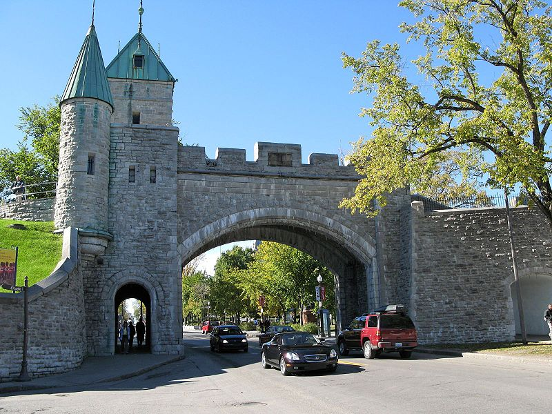 800px-Quebec_City_Wall-1