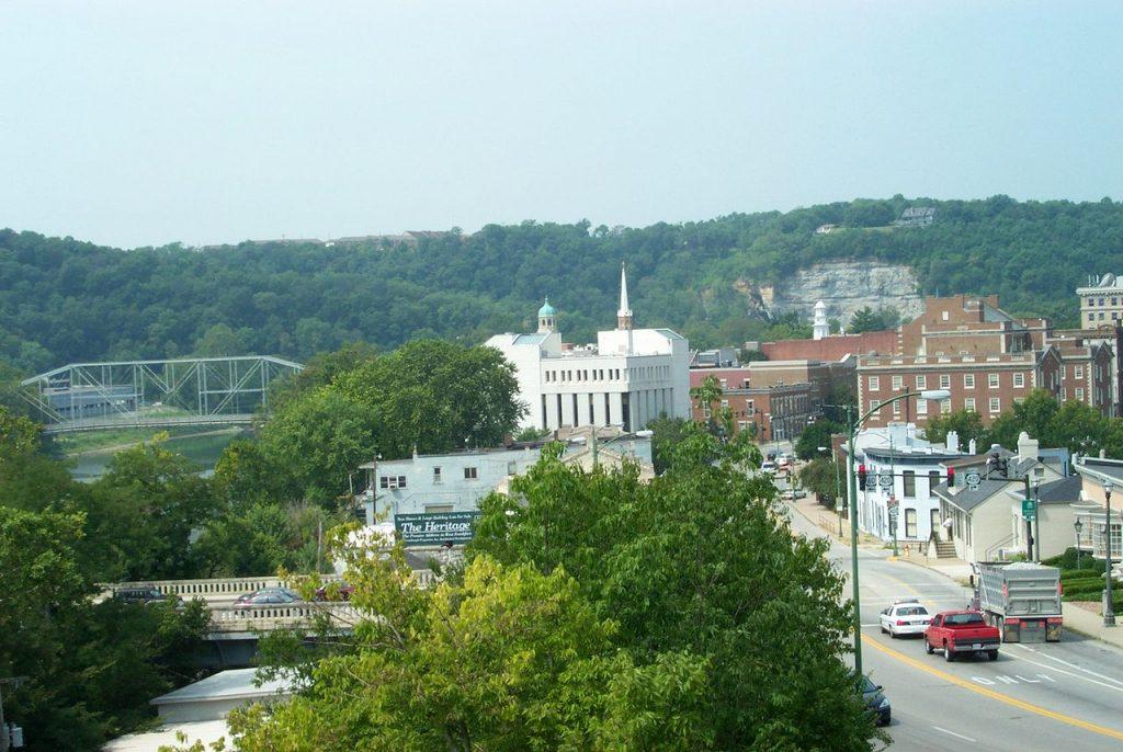 1280px-Frankfort_kentucky